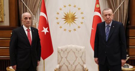 TÜRK-İŞ Genel Başkanı Ergün Atalay, Cumhurbaşkanı Recep Tayyip Erdoğan'a Çalışma Hayatının Sorunları ile İlgili Rapor Sundu
